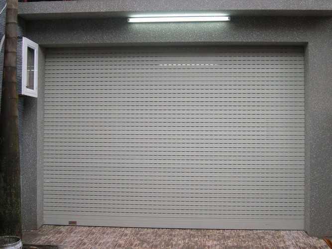cửa cuốn giá rẻ Bến Cát